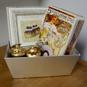 """Holiday Gift Basket - A """"religieuse"""" cake  in Paris -"""