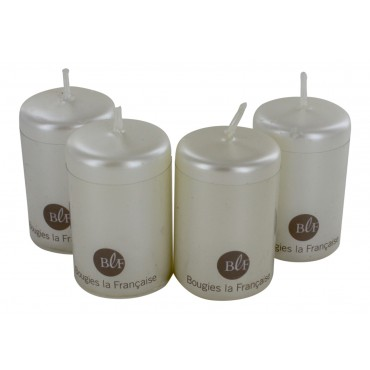 Set of 4 unscented pearl white candles